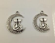 6pcs Two Cats Sitting on moon Tibetan Silver Bead charms Pendants fit bracelet