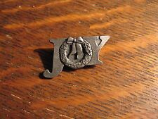 Quick Cooking Lapel Pin - 2003 Pewter Joy Holiday Wreath Christmas Party Pin