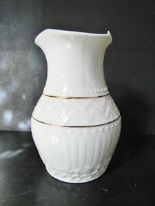 BELLEEK Fine Irish Porcelain COLONIAL VASE - Cream with Pink - 8th Mark '93- '97