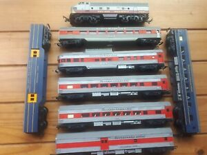 Triang OO Gauge Transcontinental Job Lot  Locomotive And 7 Coaches