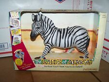 RARE 1997 ERTL WILDS OF AFRICA SERIES ZEBRA  SAFARI WILDLIFE ANIMAL FIGURE