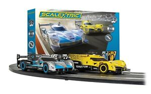 Scalextric C1412 Ginetta Racers Set 1/32 Slot Car Set