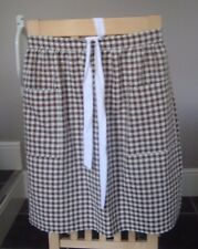 BROWN AND OFF WHITE GINGHAM DESIGN HALF APRON / PINNY