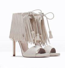 Zara Damen UK 5 Heels Stiletto Sandalen Sommer Fransen Quaste BRANDNEU Größe 38
