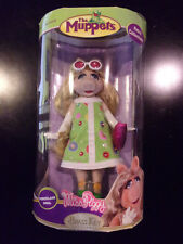 "The Muppets Miss Piggy Retro 7"" Porcelain Doll Brass Key Keepsakes Unopened"