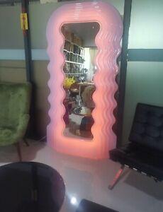 Ultrafragola Mirror, Pink, Ettore Sottsass