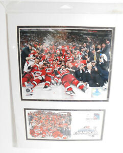 """2006 Carolina Hurricanes Stanley Cup Matted TEAM Photos  16"""" x 12"""""""