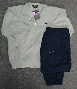 Nike full tracksuit boys girls joggers kids jacket zip top age 12-13 years