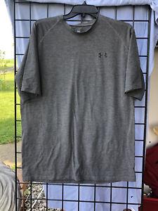 Men's Under Armour  Large Short Sleeve Heat Gear Gray Shirt Top