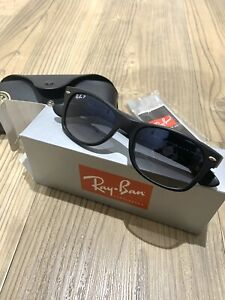 Ray-Ban Justin RB2132 Sunglasses Black 601/8G Grey Gradient 52mm BNIB