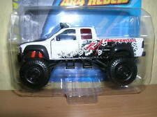 Maisto Fresh Metal 4 x 4 Rebels Chevrolet Pickup weiss white, 1:64