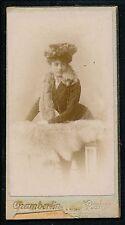 Petite CDV Mignonette c. 1900 - Femme Elégante Ph. Chamberlin 2