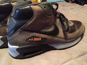 Nike Air Max 90 Sneaker Boots Leather Size 9.5 Black Orange Leather Classic.
