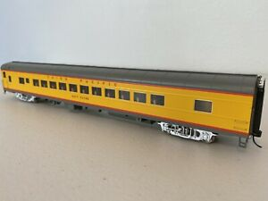Walthers Proto 920-18500 : Union Pacific Heritage Katy Flyer Coach LIGHTED HO