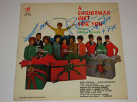 RONNIE SPECTOR SIGNED AUTOGRAPHED A CHRISTMAS GIFT FOR YOU LP VINYL RONETTES