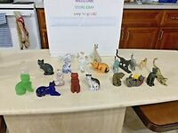 Lot Of 21 The Franklin Mint TFM Curio Cabinet Cats Collection .