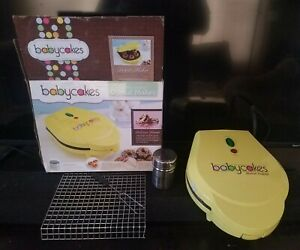 Babycakes Donut Maker DN-95LZ   Makes 6 Mini Donuts   Non-stick   Very Good Used