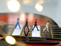THE BEATLES ABBEY ROAD EXCLUSIVE FULLSET HO 1:87 MINIATURE FIGURE NO PREISER
