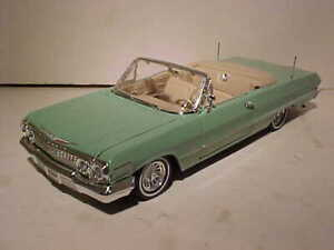 1963 Chevy Impala Convertible Diecast Low Rider Car 1:24 Welly 8inch MINT NO BOX