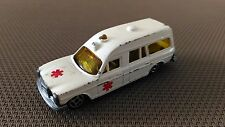 Voiture Miniature Mini Jet Norev « Mercedes Ambulance»  En Bon Etat.