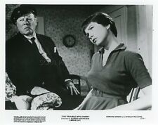 ALFRED HITCHCOCK SHIRLEY  MacLAINE THE TROUBLE WITH HARRY 1955 VINTAGE PHOTO R70