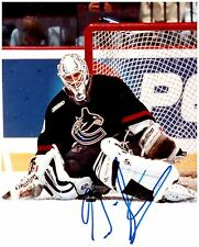 Vancouver Canucks GARTH SNOW Signed Autographed 8x10 Pic B