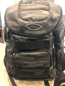 Oakley Backpack - Enduro 30L 2.0, Used One Time, Perfect Condition