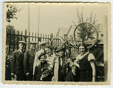 PHOTO ANCIENNE - FAMILLE VÉLO JOUET - FAMILY BICYCLE HAPPY - Vintage Snapshot