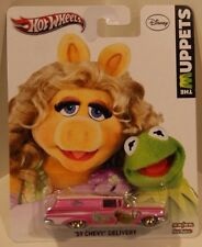 2013 Hot Wheels Disney The Muppets Miss Piggy/Kermit '59 Chevy Delivery PINK