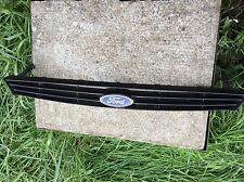 Ford Focus 1999 grille plus badge