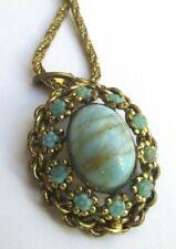 Ancien collier pendentif couleur or perles cabochon turquoise bijou vintage 5253