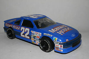 1991 Sterling Marlin #22 Maxwell House Nascar Racing Champions 1/24, Signed