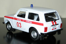 Soviet Russian LADA Niva 4x4 white ambulance 03 - 1/34 diecast model