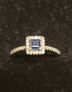 10 Karat White Gold Princess Sapphire Cut Wedding Promise Bridal Ring size 6.75