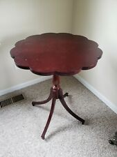 Antique Solid Wood Clover Scalloped Flower Pie Crust Round Accent/Side Table