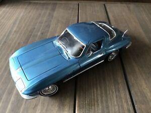 Maisto 1965 Chevrolet Corvette 1:18 Diecast