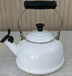 Le Creuset Whistling Tea Kettle 1.7 Quarts 1.6 Litres White Good Condition