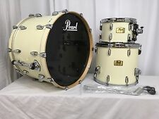 "Pearl Session Studio Classic 3 Pc Drum Kit/Antique Ivory/#106/24"" Bass/Display"