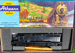 ATHEARN BLUE BOX GP60 UNDECORATED DUMMY LOCOMOTIVE ALL PARTS NEW HO EMD OOP