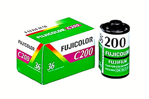 1 x Roll FUJICOLOR C200 COLOR NEG  Film--35mm/36 exps--WITH BOX--expiry: 10/2022