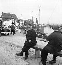 VOLENDAM c. 1950 - Auto Vieux Pêcheurs Port Hollande - Négatif 6 x 6 - Hol 43