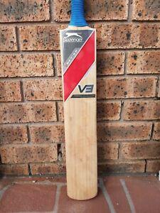 SLAZENGER V3 cricket bat