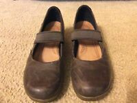 Keen Womens Shoes Wedge Heels US 9 EU 39.5 Brown Leather Casual Clogs