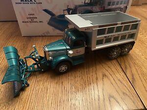 "First Gear Mack-L-Model, Dump Truck with Plow, ""Mack Trucks"", 1/34 Scale"