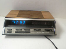 GE Clock Radio Alarm General Electric 7-4666A Walnut Grain Vintage