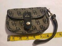 Dooney & Bourke Signature Wristlet Beige W/ Black Leather Trim Wallet VGUC
