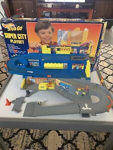 Hot Wheels Sto & Go Super City Playset 1995 Vintage w/ Box.