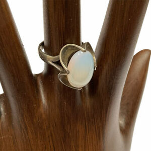 Moonstone Ring Sterling Silver Modernist Marked 925 Size 6.5 Vintage Jewelry