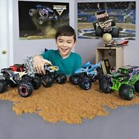 Monster jam 6044869 Authentic 1:24 Scale Die-Cast Monster Truck (Styles Vary)