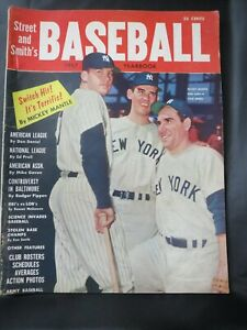 1957 STREET & SMITHS MLB BASEBALL NEW YORK YANKEES MICKEY MANTLE YOGI BERRA